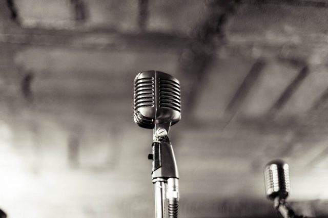 Microphone authentic sound Content Writer My Words Work For You Copywriter